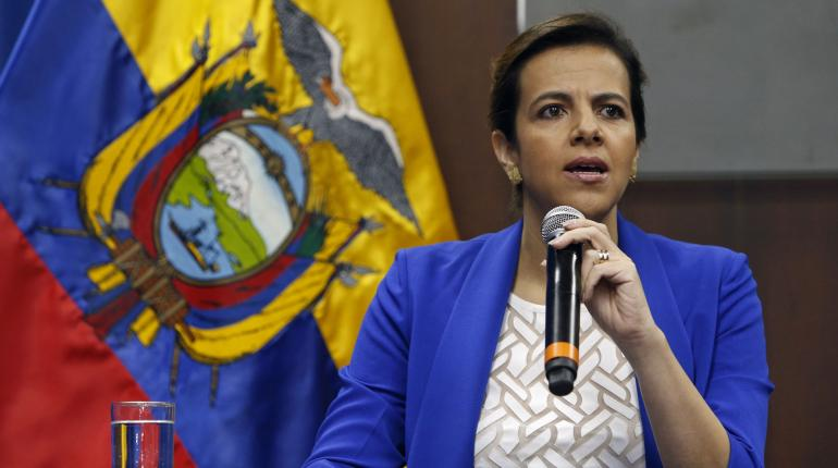 Ecuador involucra a una persona allegada a Assange en plan de desestabilización