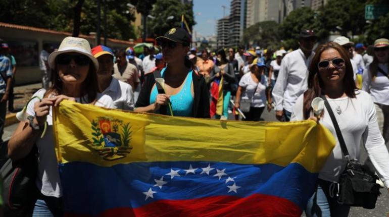 FMI y Banco Mundial ayudarán a Venezuela cuando sus miembros reconozcan un Gobierno