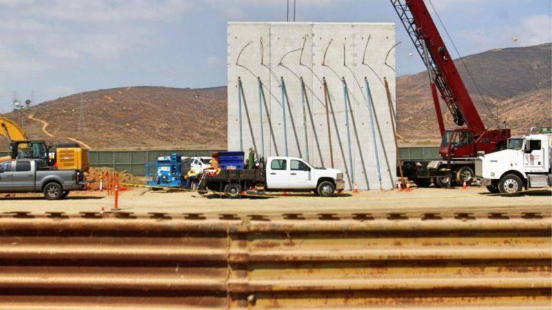 Un grupo de estadounidenses construyó su propio muro fronterizo en Nuevo México
