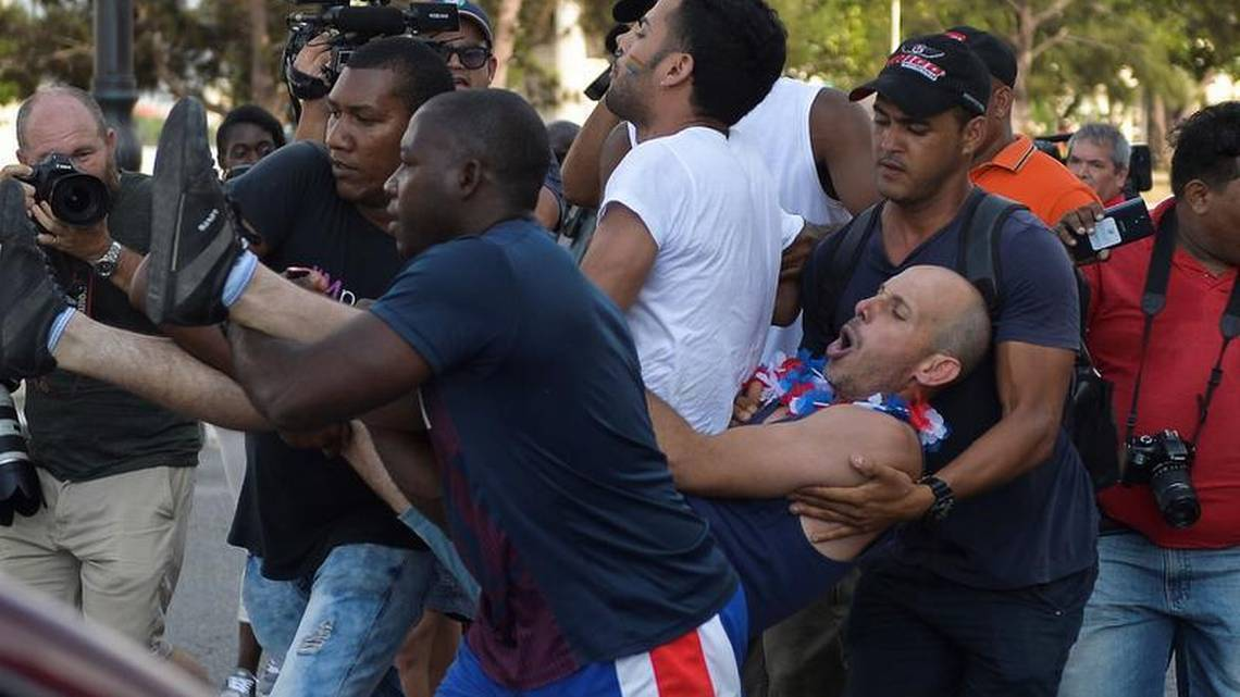 La policía de Cuba reprimió una marcha gay