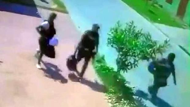 """Detienen a cuatro policías acusados de """"volteo"""" de droga"""