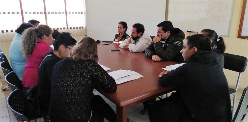 Padres de familia del colegio Juan Pablo II y Alcaldía de Tarija acuerdan refacciones del establecimiento