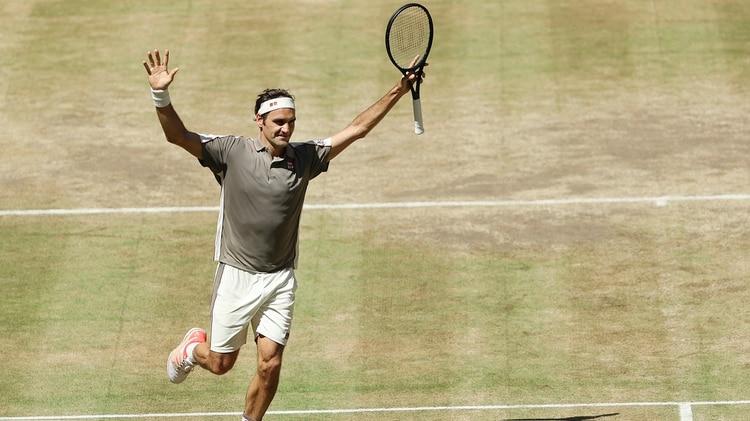 Roger Federer expuso su talento para derrotar a David Goffin y coronarse en Halle