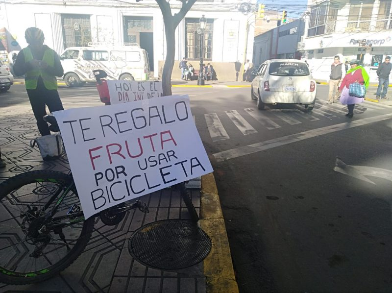 Invitan a la caravana ciclística en la plaza de Tarija por el