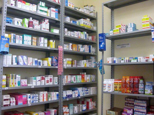 Asociación de Farmacias denuncia desabastecimiento y apunta a grandes  cadenas - La Voz de Tarija
