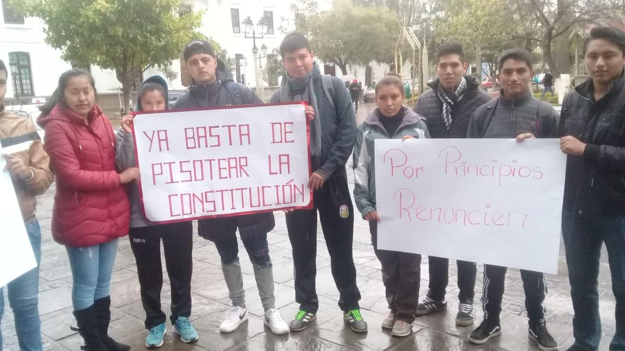 Colectivo ciudadano de Tarija pide la renuncia de funcionarios públicos que postulan a cargos políticos en las elecciones