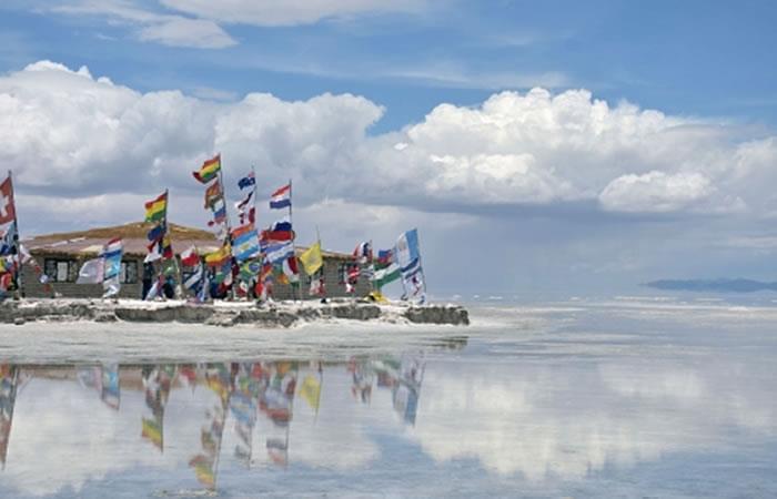 Gobierno fomenta turismo interno y otorga