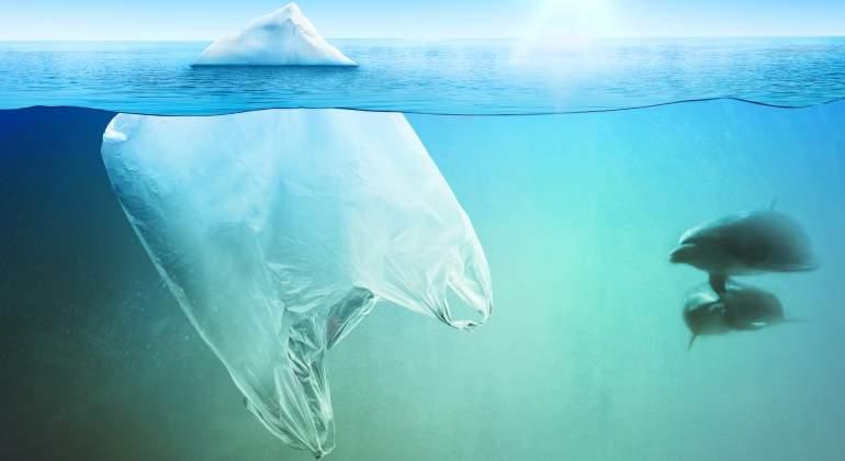 De qué manera la basura plástica acelera el cambio climático