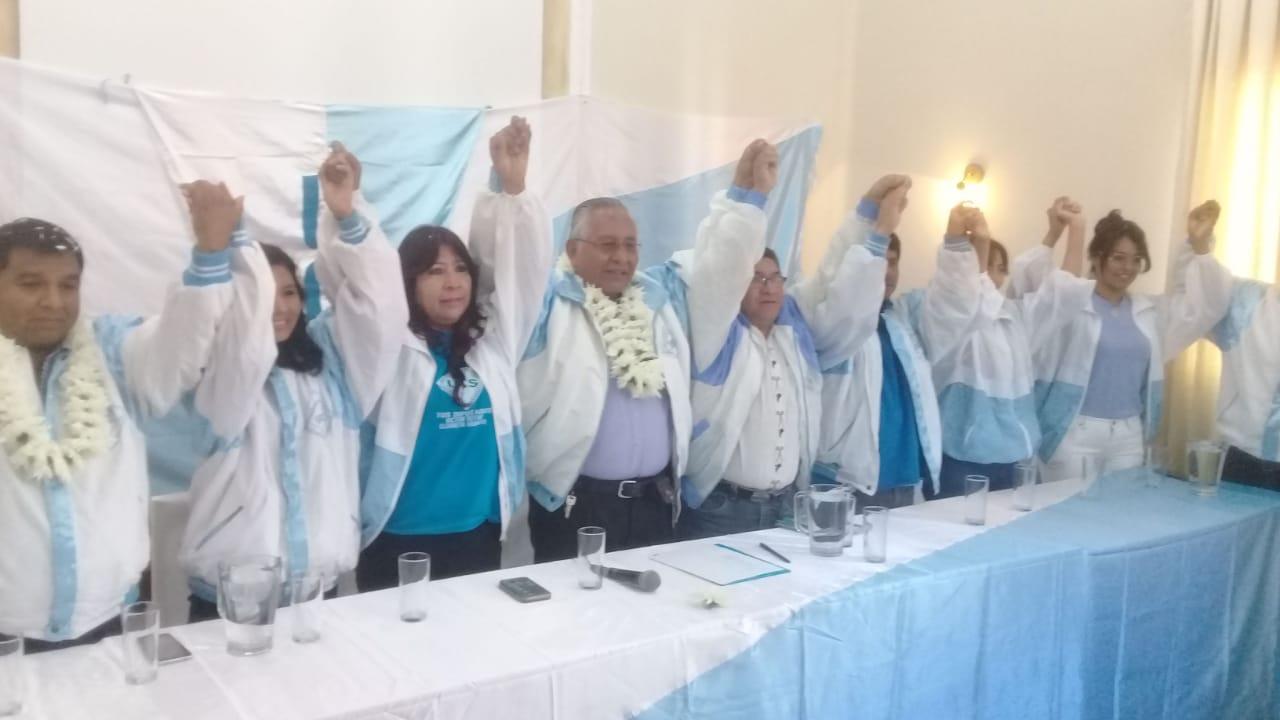 Víctor Hugo Cárdenas llega a Tarija para presentar propuestas de cara a las elecciones de octubre