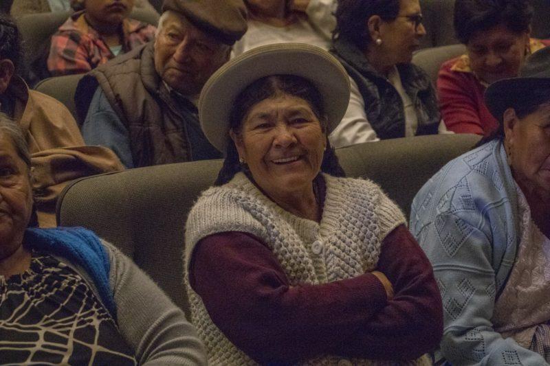 Garantizan entrega de canasta alimentaria a los adultos mayores de Tarija