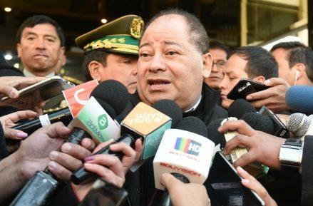 Ministro Romero afirma que movilizaciones de médicos y cívicos no tendrán éxito