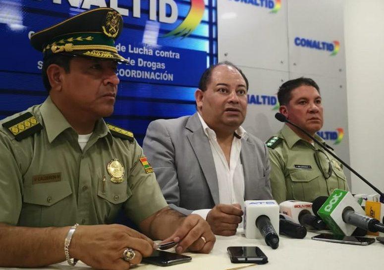 Ministro Romero llama al diálogo a la Policía y pide levantar el motín