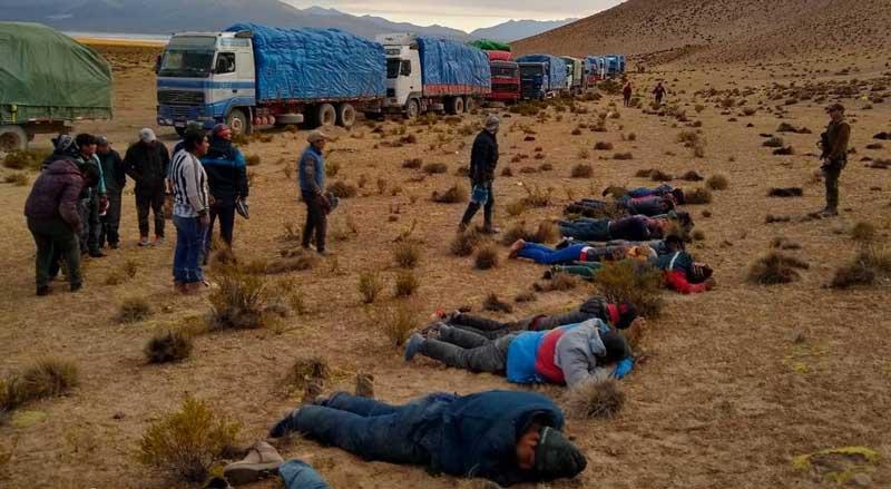 Chile: Capturan a 57 bolivianos y 20 camiones de contrabando