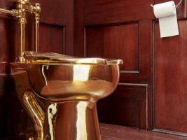 Robaron un inodoro de oro valuado en un millón de dólares durante una exposición en la casa donde nació Winston Churchill