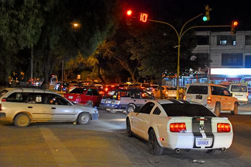 Programan tiempos en semáforos para darle preferencia al peatón en Tarija