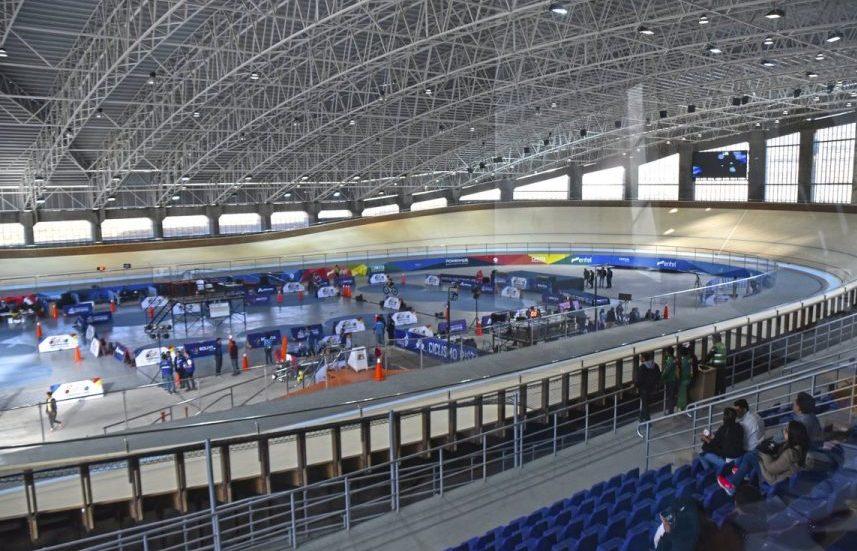 Morales afirma que el velódromo de Cochabamba es el de mayor velocidad del mundo