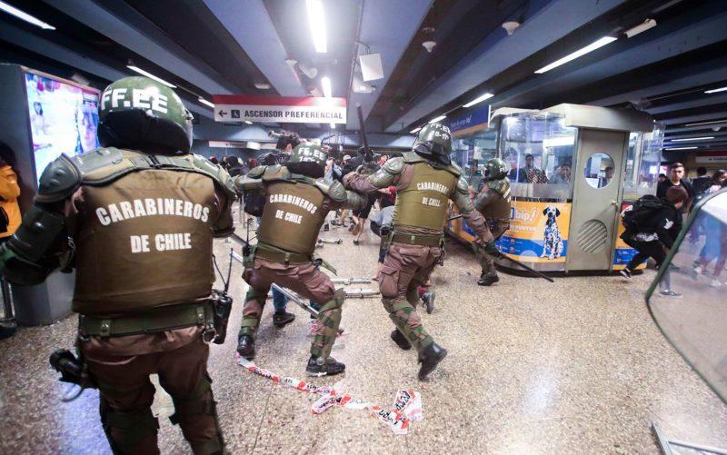 """Carabineros de Chile anunciaron la suspensión del uso de perdigones de goma como """"herramienta antidisturbios"""""""