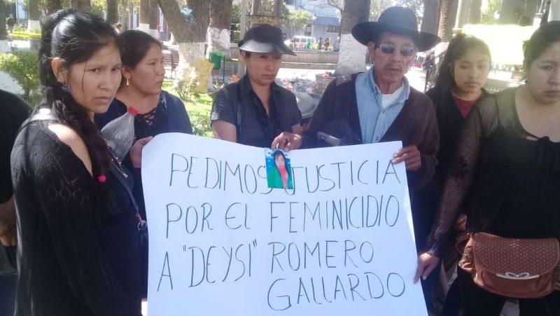 Familiares marchan y exigen justicia por el feminicidio de Deysi Romero en Tarija