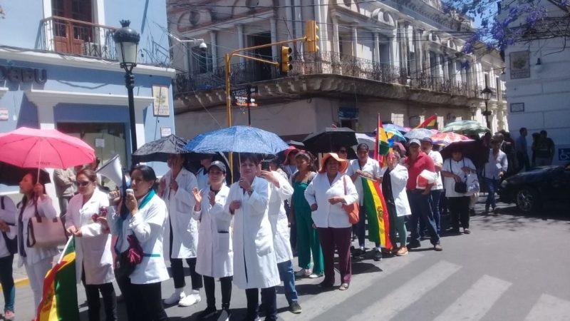 Sector salud de Tarija se declara en emergencia y exigen institucionalización de ítems