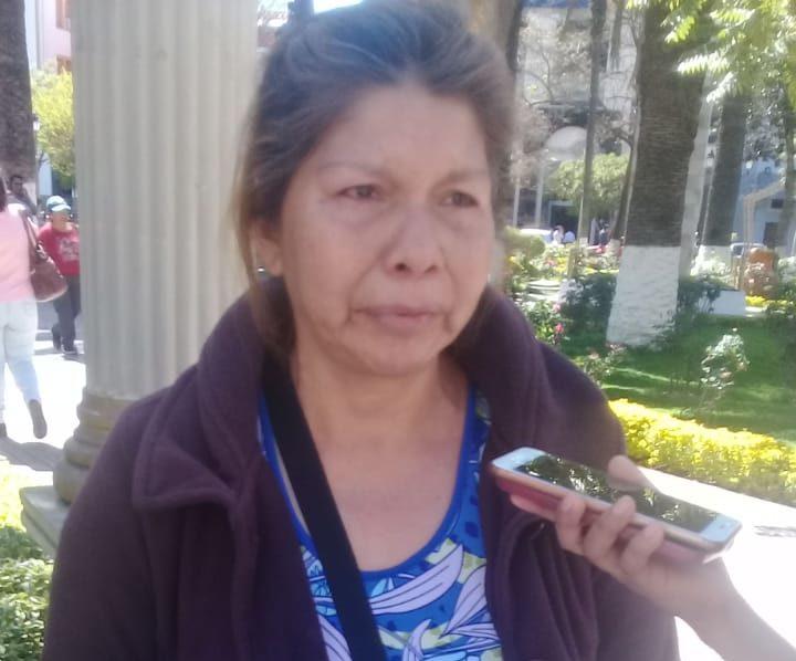 Mujer pide ayuda a la población de Tarija para pagar operación de su hijo tras choque de motocicleta