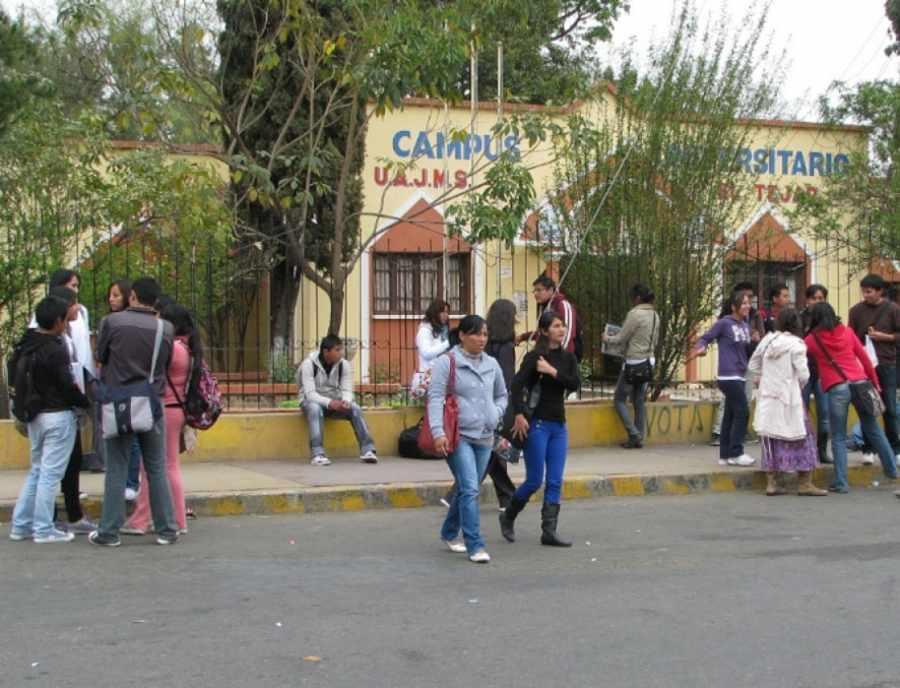 Denuncian al rector de la UAJMS de Tarija por