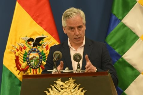 Vicepresidente pide a Mesa y Camacho parar la violencia en el país y aceptar la vía democrática