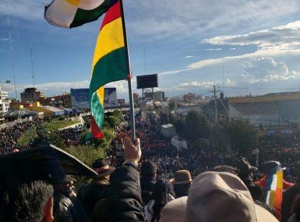 Cabildo por la democracia en El Alto pide pacificar el país y rechaza discriminación y racismo