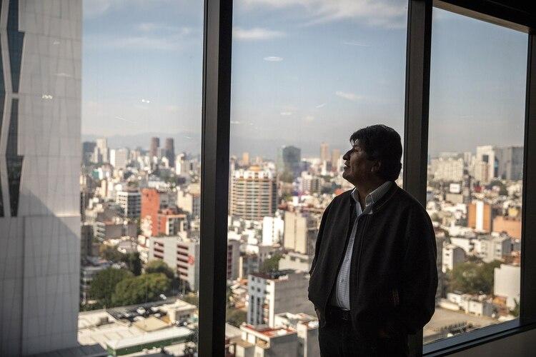Evo Morales dijo que una senadora de su partido debería ser la presidente de Bolivia: