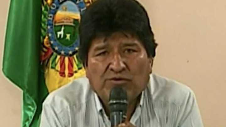 Movilización civil y pedido de militares hacen renunciar a Evo Morales