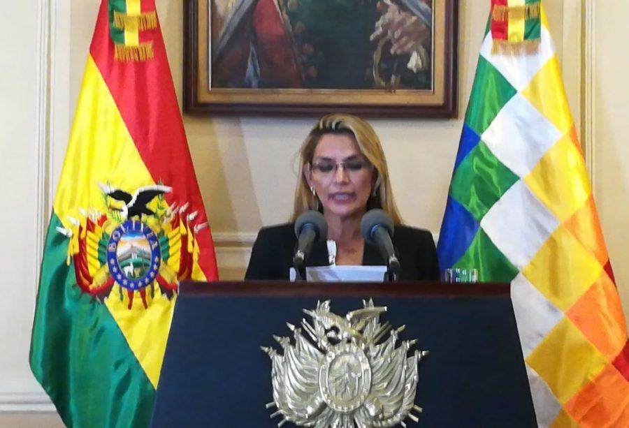 Presidenta Añez le dice al MAS que tiene derecho de participar en elecciones y que busque candidato