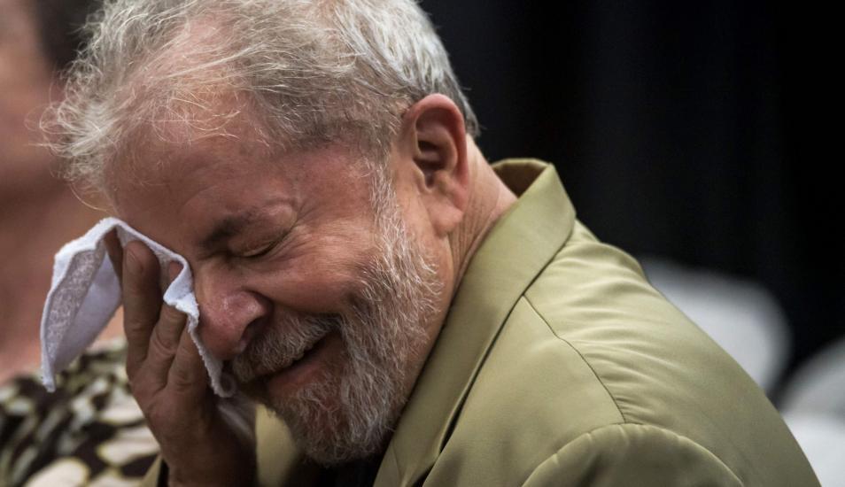 Un fallo de la Corte Suprema de Brasil dejó a Lula a un paso de salir de prisión