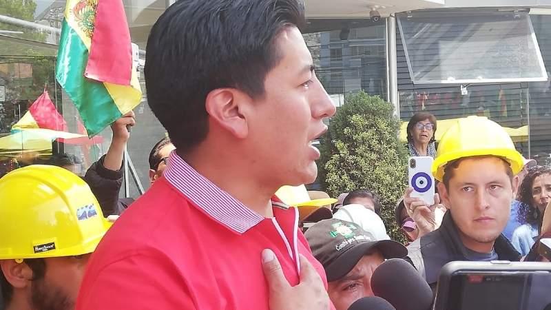Pumari dice que Camacho