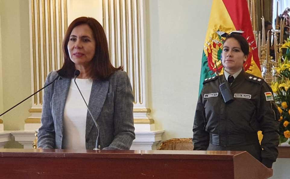 """Canciller Longaric: """"Bolivia no es una colonia de México"""
