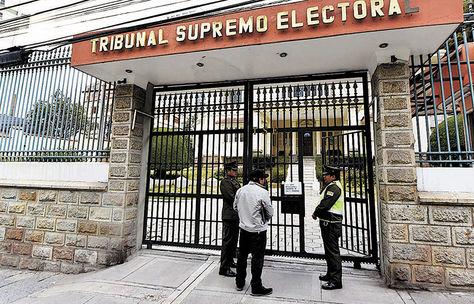 TSE: 285 de 711 candidaturas observadas presentaron enmiendas para no ser excluidas de las elecciones