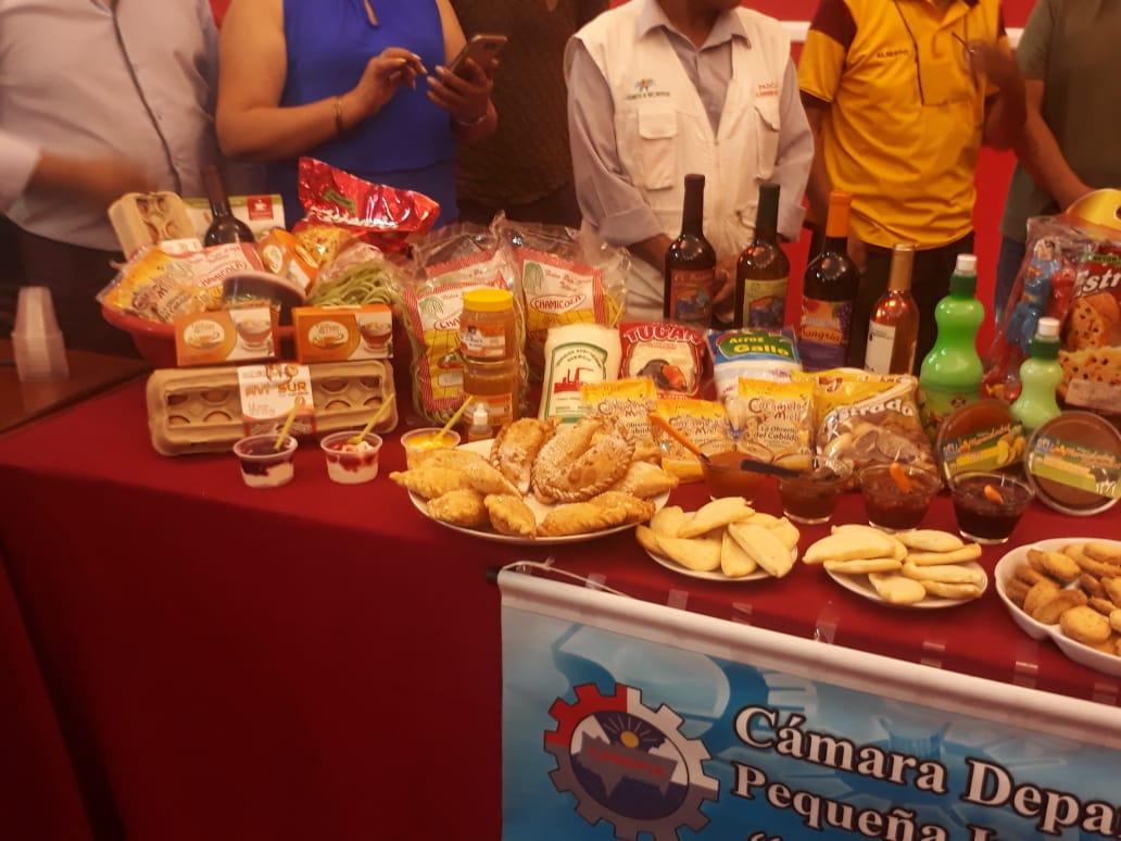 Cadepia promociona canastones navideños con productos elaborados en Tarija