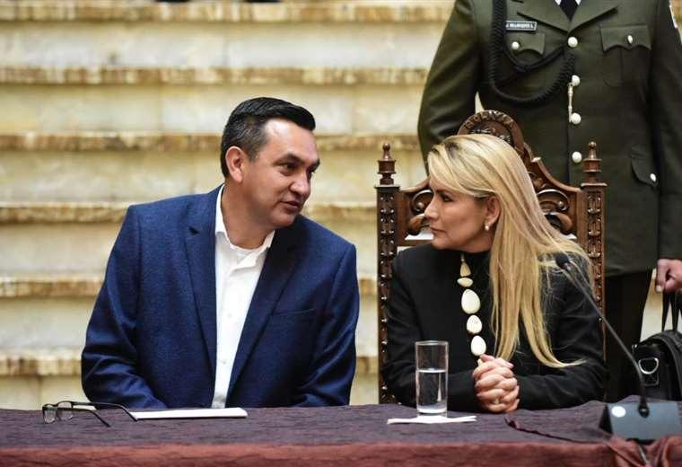 Áñez dará mensaje desde Palacio y autoridades trabajarán voluntariamente el 22 de enero