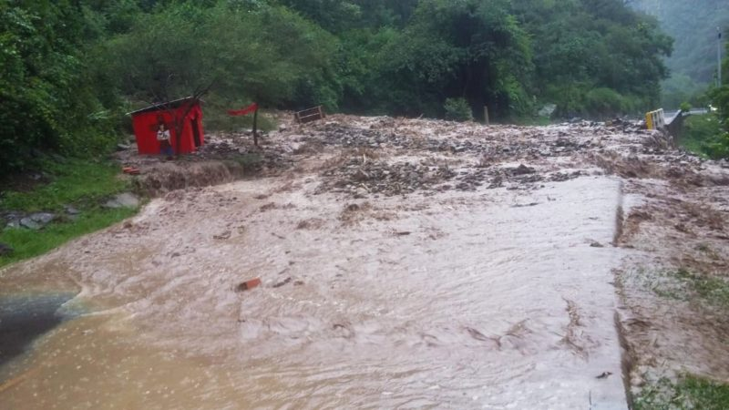 ABC anuncia cierre de la carretera Tarija - Bermejo por desborde de quebrada