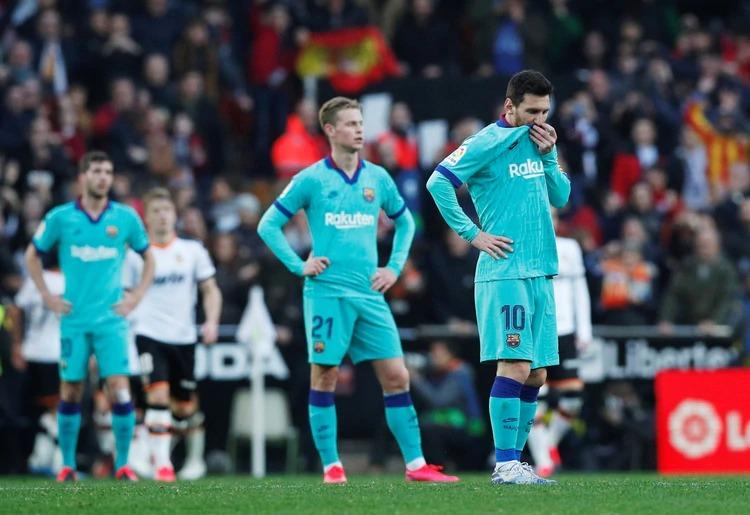 Con posesión pero sin llegadas al arco Barcelona cae ante Valencia por 2 a 0