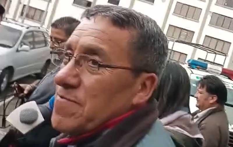 """Aprehenden a un exviceministro del MAS por trifulca con policía al que habría llamado """"motín"""""""