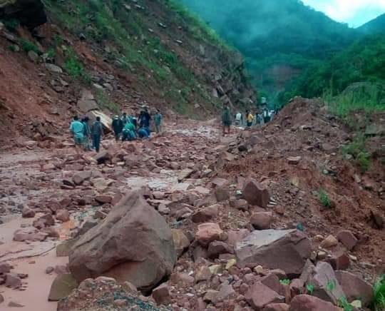 Carretera entre Tarija y Entre Ríos se encuentra cortada por derrumbe