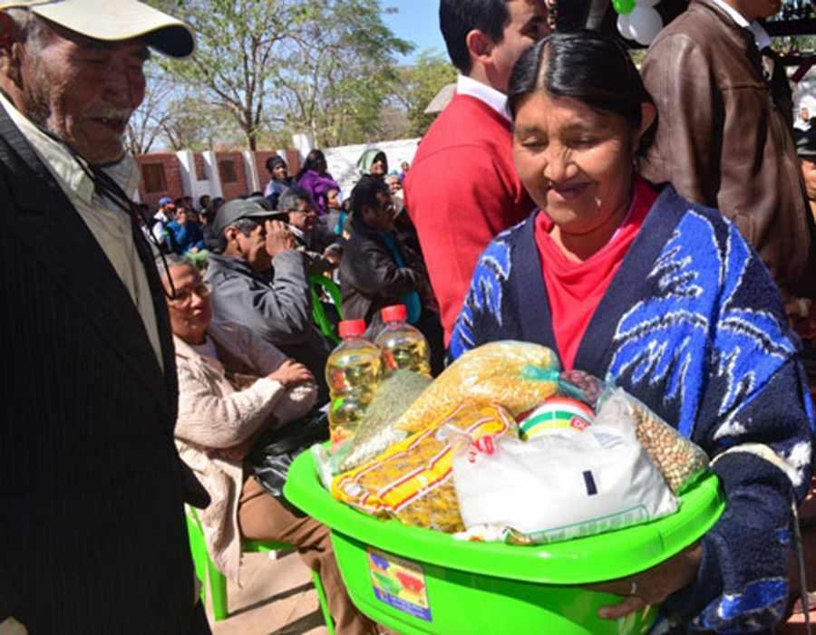 Esperan la promulgación de una ley para apresurar la entrega de la canasta alimentaria en Tarija