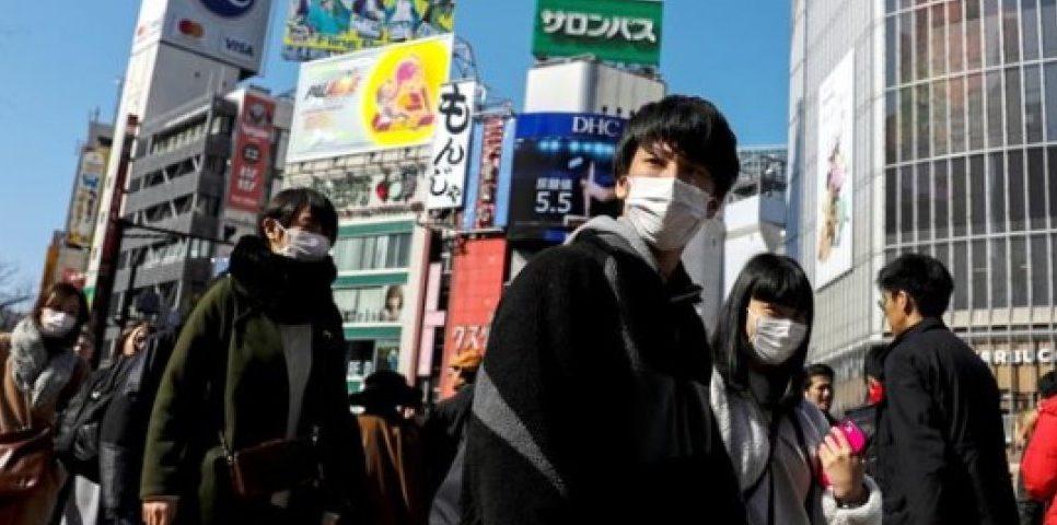 """En qué consiste la regla de las """"tres C"""" ideada por japoneses para prevenir el coronavirus"""