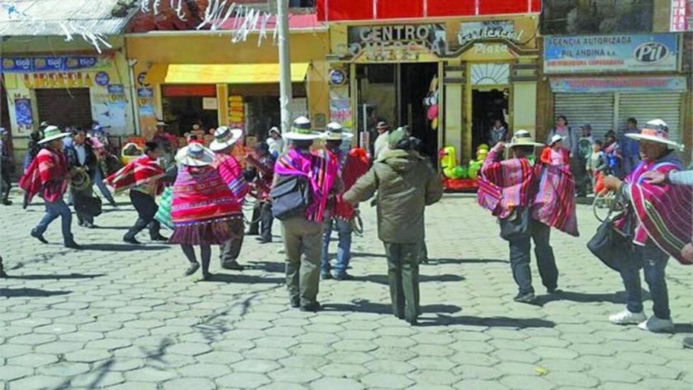Denuncian que pobladores de Llallagua amenazaron con quemar a 12 personas que llegaron de Chile
