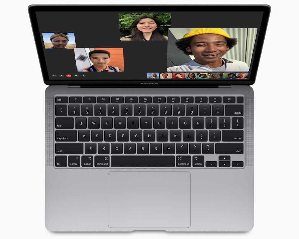 Por qué Apple le recomienda a sus usuarios que no tapen la cámara de las MacBook