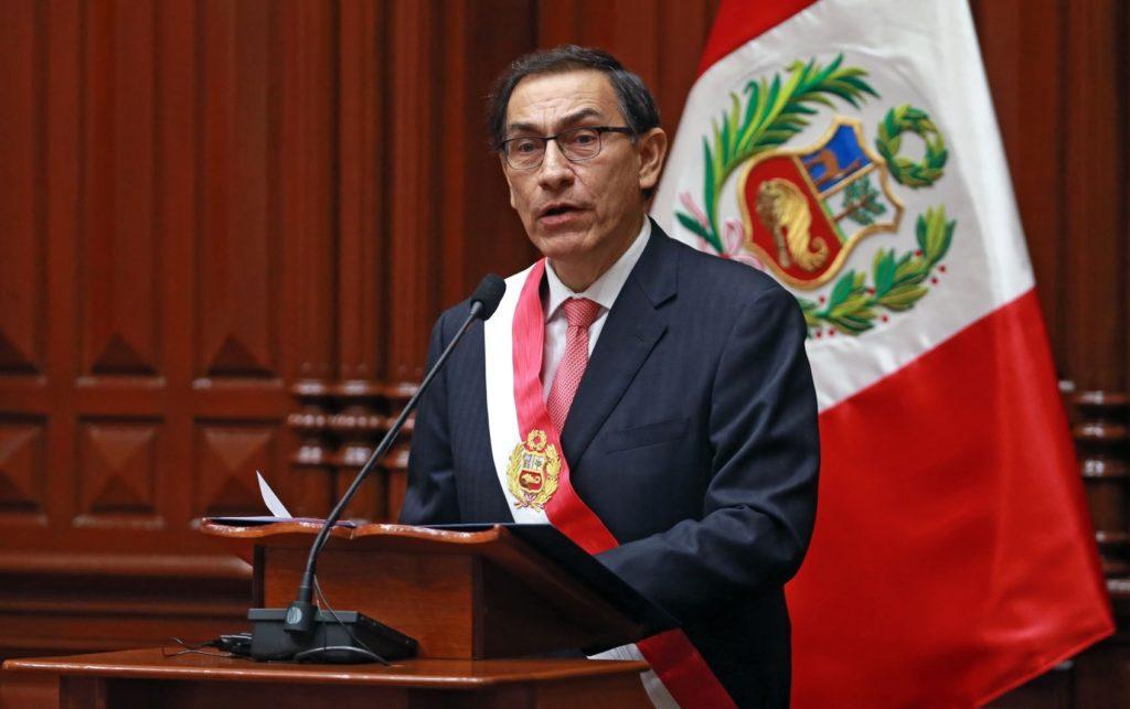 La triple crisis de Perú: sanitaria, económica y ahora también política