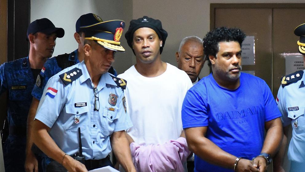 La millonaria fianza que ofreció pagar Ronaldinho para obtener el beneficio de prisión domiciliaria en Paraguay
