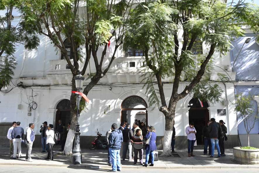 Cívicos de Tarija piden a las autoridades donar sus sueldos para combatir el coronavirus