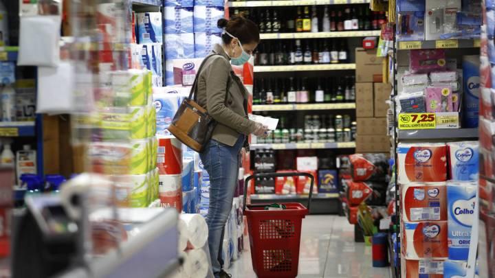El COVID-19 no se transmite por alimentos ni sus envases, concluyó la FDA