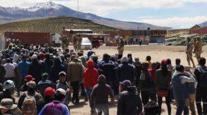 Iquique dará albergue a más de 800 bolivianos varados en Colchane
