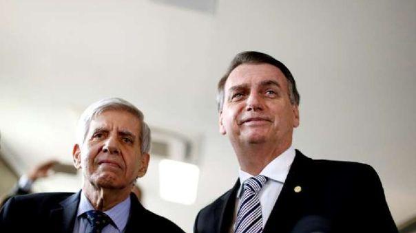 """El ministro del Gabinete de Seguridad de Brasil advirtió sobre """"consecuencias impredecibles"""" si la Justicia secuestra el celular de Jair Bolsonaro"""